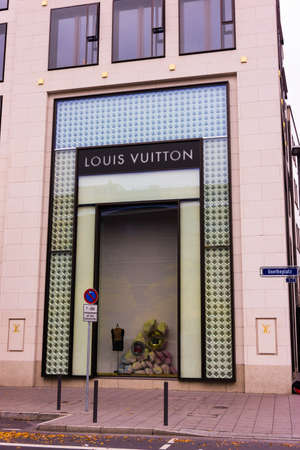 louis vuitton: FRANKFURT, GERMANY - OCTOBER 24: Louis Vuitton store on October 24, 2015 in Frankfurt, Germany. Forbes says that Louis Vouitton was the most powerful luxury brand in the world in 2008 with $19.4bn USD value Editorial