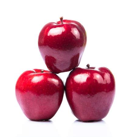 pomme rouge: pommes rouges, isolés sur un fond blanc Banque d'images