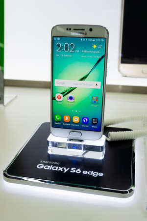 samsung: DUSSELDORF, GERMANY - FEBRUAR 12, 2016:The New Samsung Galaxy S6 Edge on the Stand on Februar 12,2016