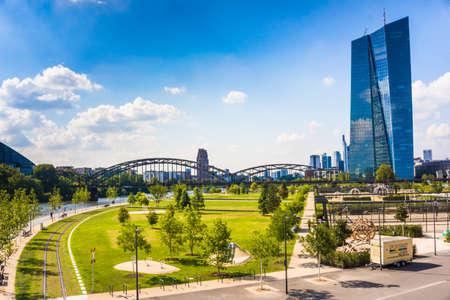 ecb: FRANKFURT AM MAIN, GERMANY, SEPTEMBER 10, 2015: New headquarters of the European Central Bank or ECB.  Frankfurt, Skyline