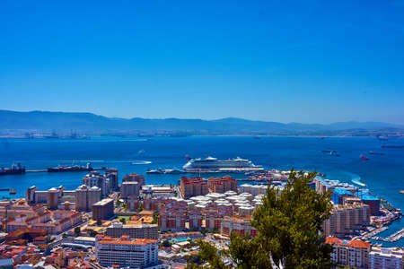 Vista aérea de Gibraltar. Gibraltar capital de Gibraltar Reino Unido Foto de archivo - 82435877