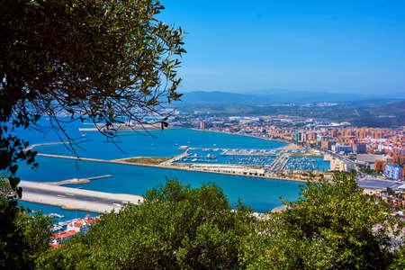 Vista aérea de Gibraltar. Gibraltar capital de Gibraltar Reino Unido Foto de archivo - 84962062