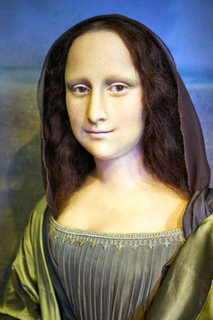 Amsterdam, Netherlands - September 05, 2017: Wax figur of The Mona Lisa or La Gioconda, in Madame Tussauds museum in Amsterdam 에디토리얼