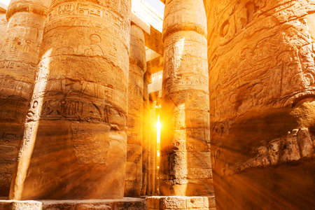 A sandstone column in Egypt.  columns covered in hieroglyphics Standard-Bild