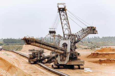 Giant bucket wheel excavator. The biggest excavator in the world. The largest land vehicle. Excavator in the mines. Imagens