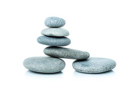 Gestapelte Harmoniesteine in Zen-Balance.