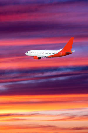 airplane on sunset background. Passenger airliner. Commercial aircraft. Private jet 免版税图像 - 161235311