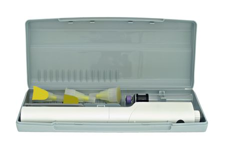 inject: Insulin pen, compact case, disposable needles, close-up