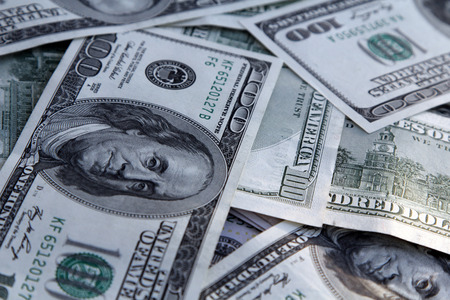banco dinero: Fondo del dinero americano con billetes de cien dólares