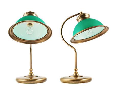 arredamento classico: Tavolo in metallo-lampada con un paralume verde isolato su sfondo bianco, set di due scorci
