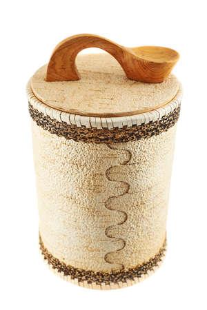 cylindrical: Cassa cilindrica di legno fatto a mano isolato su sfondo bianco