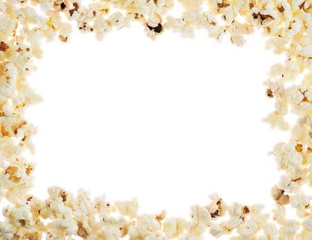 Frame gemaakt van popcorn over de witte achtergrond