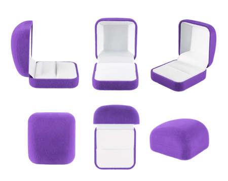 Violet fluwelen doos voor de ring, die over de witte achtergrond, set van zes foreshortenings