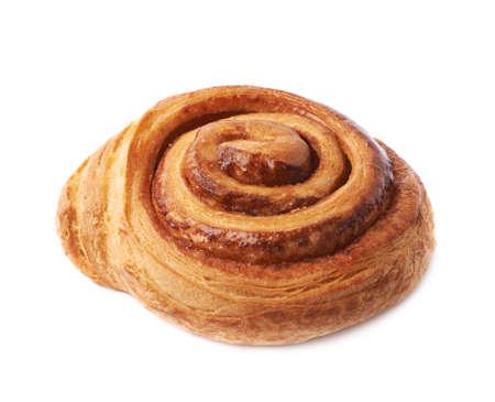 cinnamon swirl: Sweet cinnamon bun roll swirl isolated over the white background