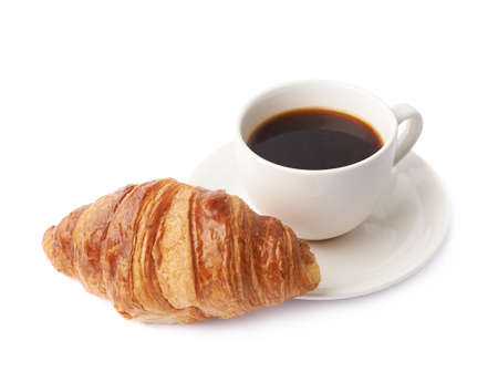 Croissant en een kopje koffie samenstelling geïsoleerd over de witte achtergrond Stockfoto