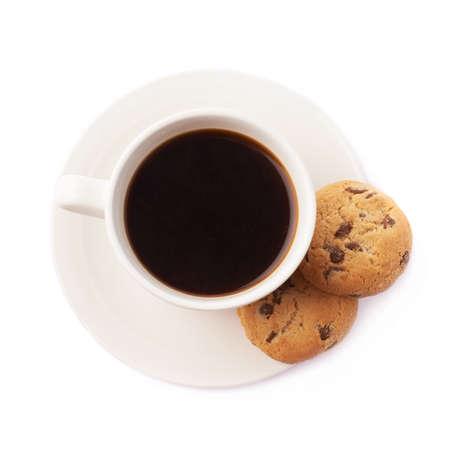 comida chatarra: Taza de café y galletas composición aislada sobre el fondo blanco Foto de archivo