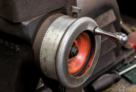 Vintage antique automotive machine shop brake lathe incremental dial indicator knob