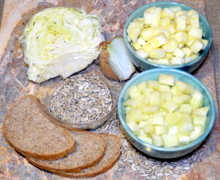 simple recipe for vegetable salad ingredients with seeds and whole grain bread