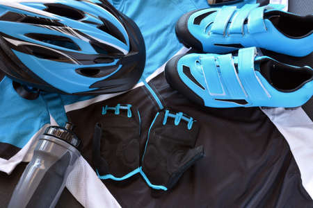 ACCESSORIES FOR MOUNTAIN BIKE, FORMED BY HELMET, JERSEY, GLOVES ETC