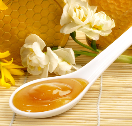 Manuka Honey in a spoon