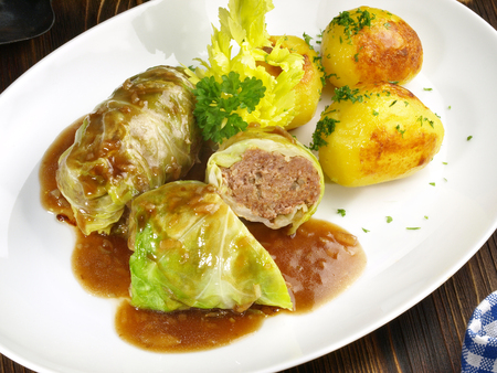 White Cabbage Roll with roasted Potatoes 版權商用圖片