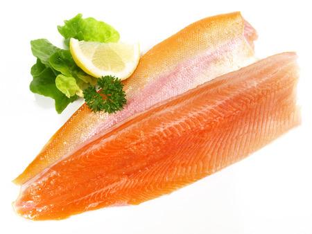 Frischer Fisch - Lachs, Forelle golden