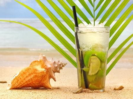 Caipirinha Cocktail at the Beach Reklamní fotografie