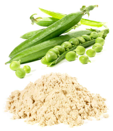 Pea Protein with Peas on white background - Isolated Standard-Bild