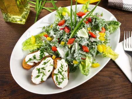 Mixed salad with crispy toast and yogurt dressing