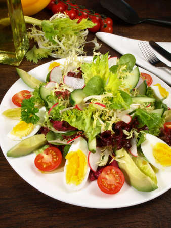 Chef Salad with Eggs, Ham, Chesse and Avocado 版權商用圖片