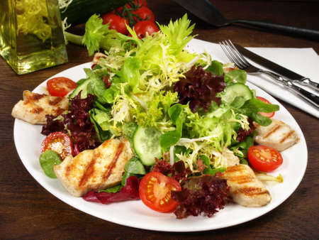 Mixed salad with grilled chicken 版權商用圖片