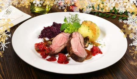 Wild Boar Steak with Vegetables and Mushrooms 版權商用圖片