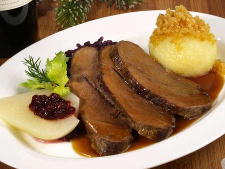 Wild boar with potato dumpling and red cabbage 版權商用圖片