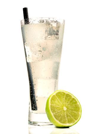 Vodka Lemon Cocktail isolated on white 版權商用圖片