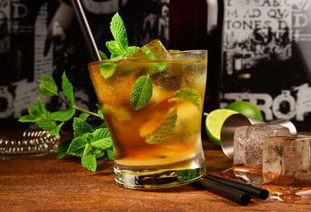 Mint whiskey cocktail