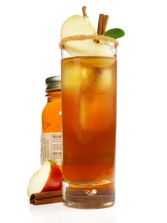 Apple Cinnamon Cocktail on white background - Isolated. 版權商用圖片