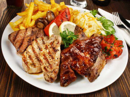 Classic Greek Meat Plate with French Fries 版權商用圖片