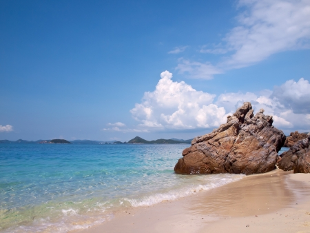 Beautiful beach with emerald color sea in Ko Kham island, Sattahip, Chon Buri, Thailand Stock Photo - 17328557