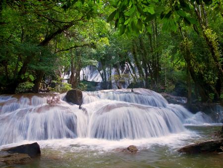 tat: Pha Tat Waterfall, Khuean Srinagarindra National Park, Kanchanaburi, Thailand