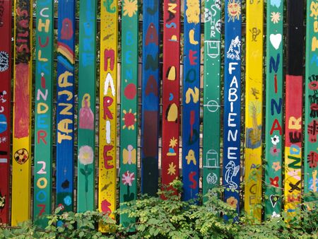 first day of school and my name on a fence 版權商用圖片 - 54845490