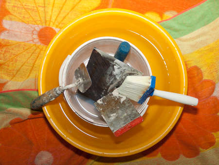 clean the tools after work 版權商用圖片
