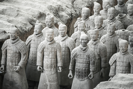 Xian, China-2. Juni Die Terrakotta-Armee oder die Terrakotta-Krieger und Pferde in den Gruben begraben neben dem Qin Shi Huang