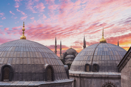 Die Blaue Moschee in der Dämmerungszeit in Istanbul, Türkei Standard-Bild