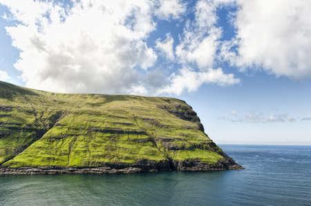 Landschaft in den Färöer-Inseln Standard-Bild - 21612740