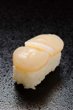 scallop: scallop sushi
