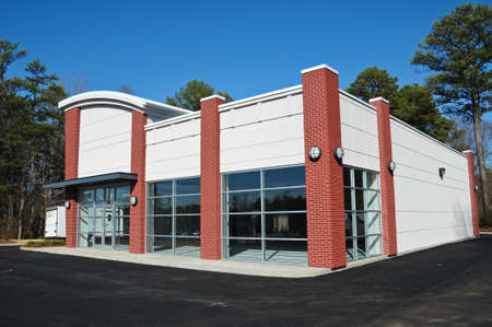 新しい近代的な商業ビル 写真素材