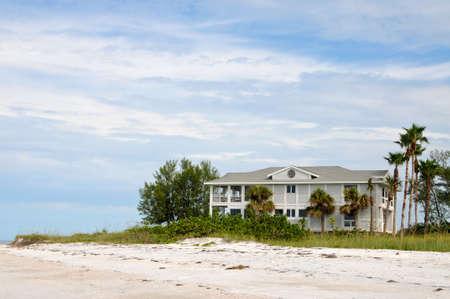 Grote Nieuwe Luxe Ocean Front Beach House Stockfoto