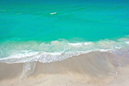 Aerial Photo of the Ocean Surf Coming in on the Beach of Anna Maria Island Imagens
