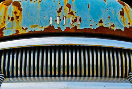 Villa Rica, Georgia / USA - July 7, 2007: An Abstract Close up view of the Front Grill of an Old Buick Sedan Front Grill 新聞圖片