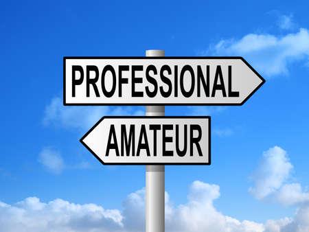 amateur: poste de se�alizaci�n vial profesionales y aficionados contra el cielo azul